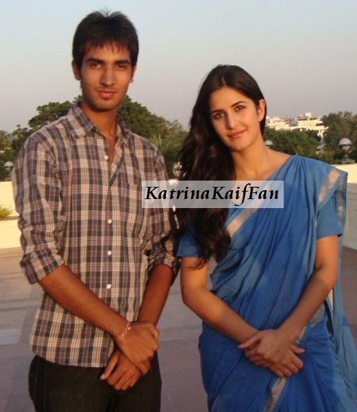 Katrina Kaif with Her Fan1 - Amazing Katrina Kaif with Her Fans - Pics