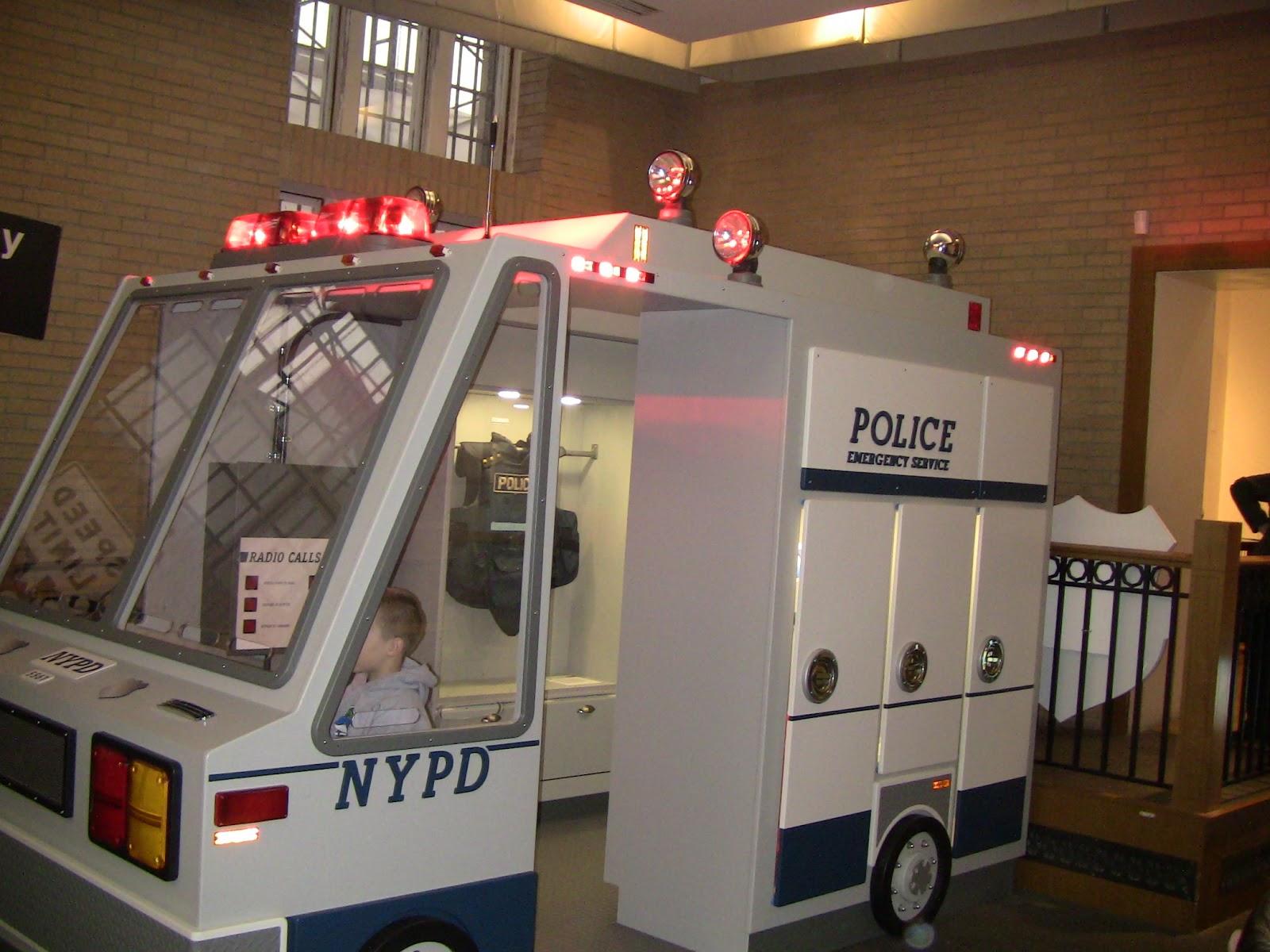 Секс в поезде вместе с полицейским 21 фотография