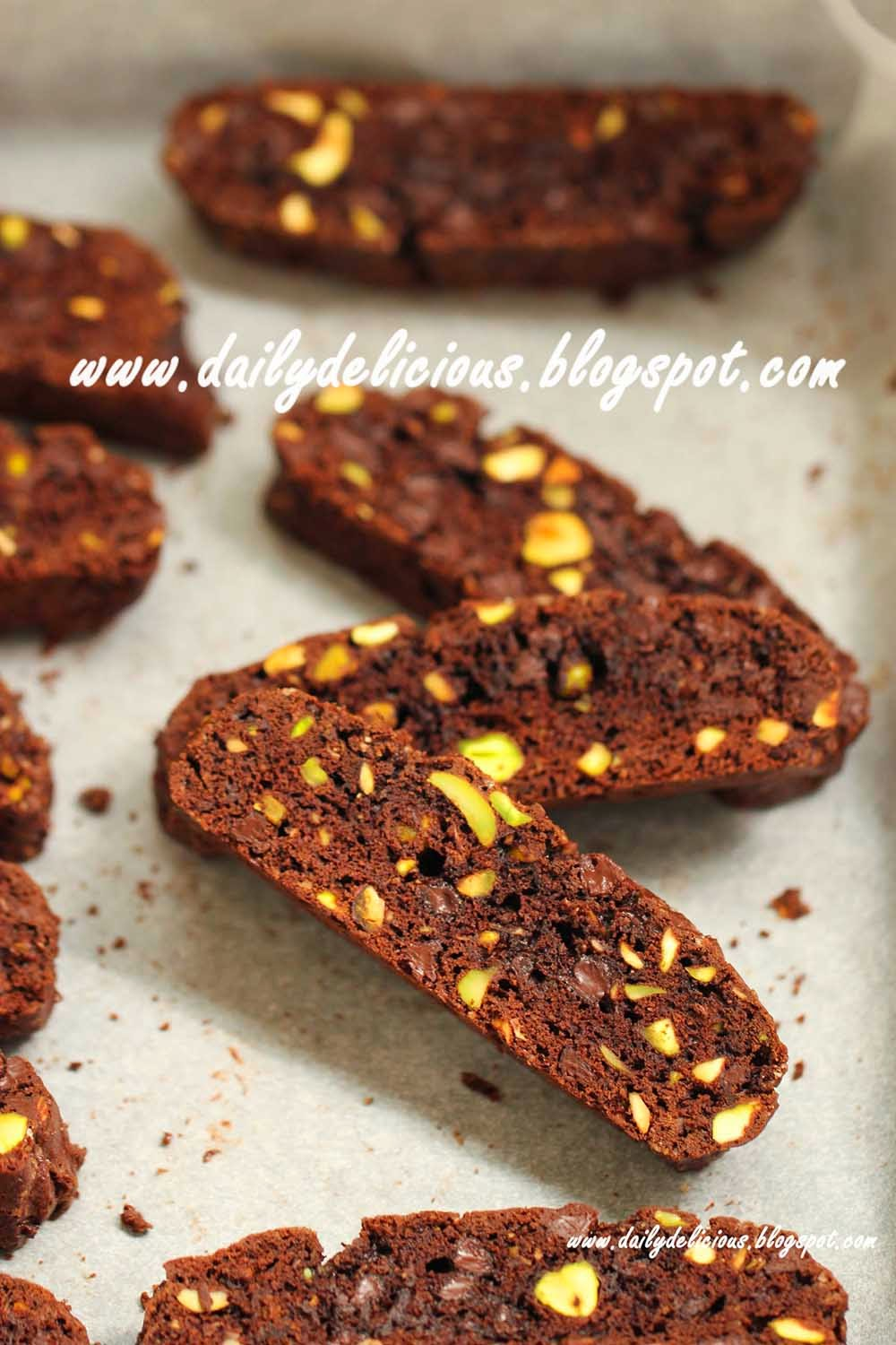 100g chocolate chips or dark chocolate chopped 65g pistachio chopped ...