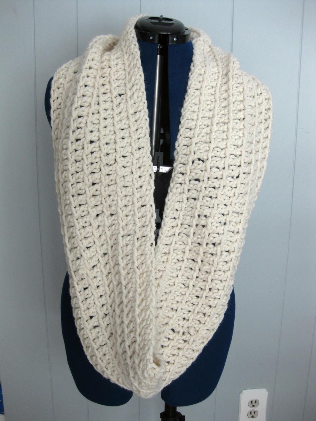 Gap Infinity Scarf Knitting Pattern : SEWmuchKNITting: Gap-inspired Infinity scarves