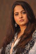 Anushka latest glamorous photos-thumbnail-27