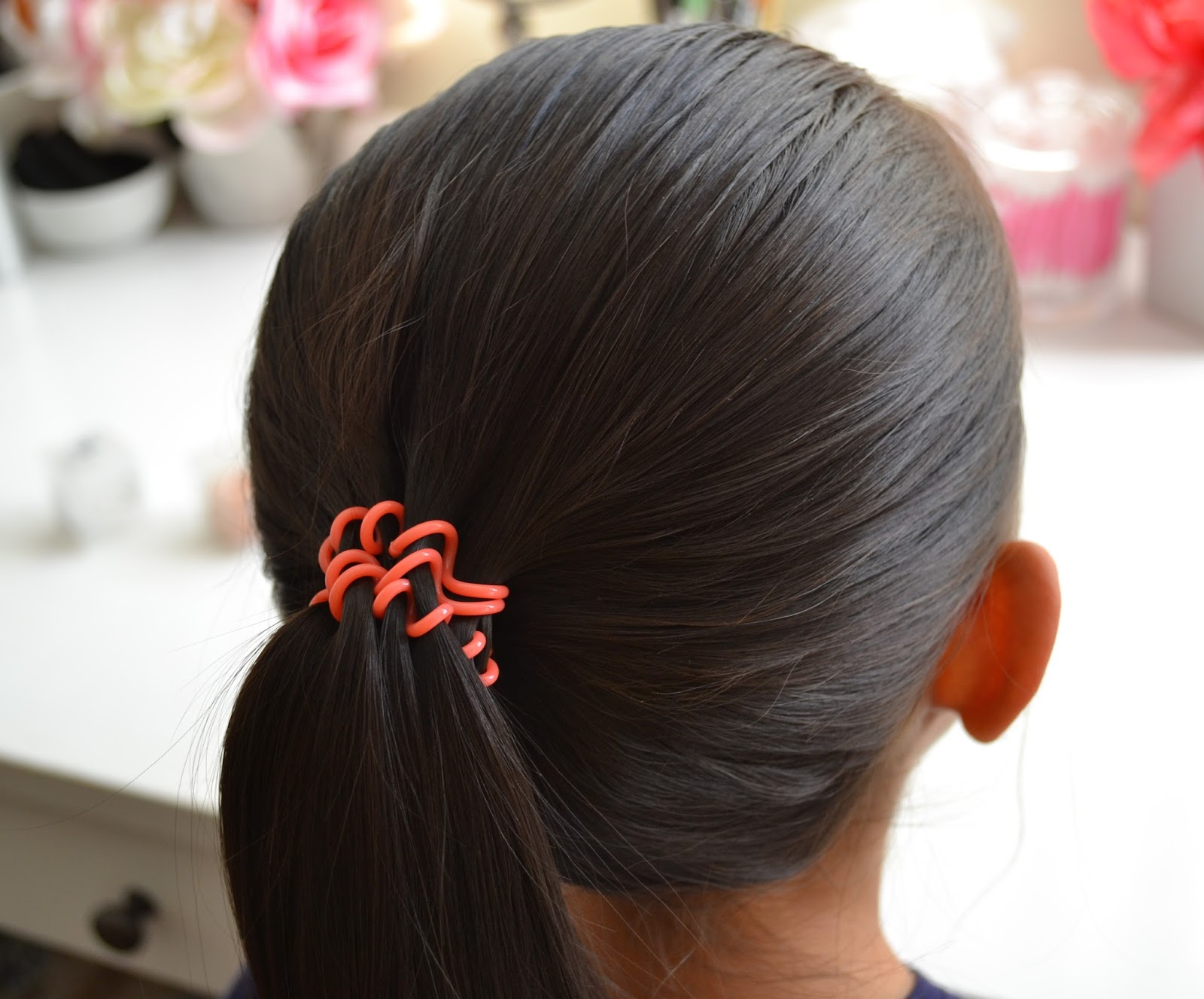 Ponytail without hair band - Both My Daughter And I Have Really Thick Hair And I Ve Dealt With Ponytail Bands Breaking And Clips Snapping In Order To Get Our Hair Back And Out Of The