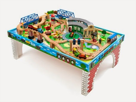 Kids Train Table Sets: Thomas and Friends Wooden Railway - Island of ...
