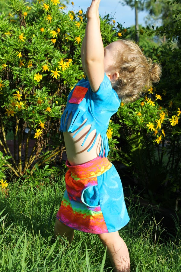Tropical! Liv Skirt (FREE) by Sofilantjes Patterns & sewn by Max California ▶ Such an 80s Miami vibe!