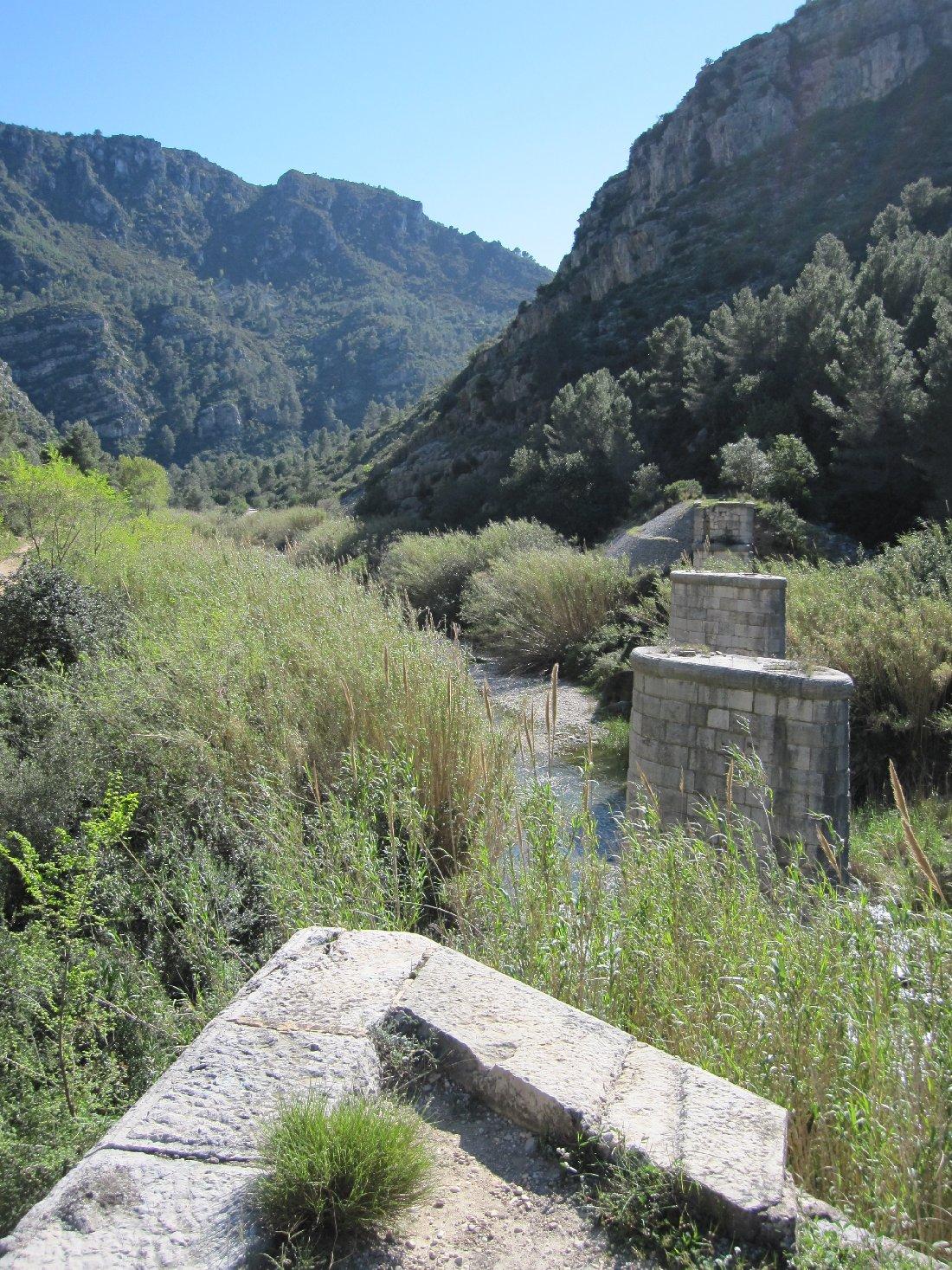 Restes del pont de l'Infern, de 100 metres
