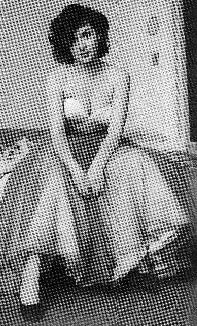 Cin immortel les mamans en robes printani res for Grace kelly fenetre sur cour