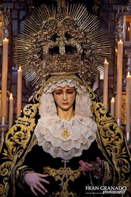 http://franciscogranadopatero35.blogspot.com/2014/12/donde-radica-la-belleza-de-una-madre.html