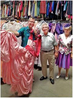 luar negara, gaun, 56 tahun, 55 ribu, 56 tahun beli 55, 000 gaun isteri, Paul Brockmann, Margot, Los Angeles,
