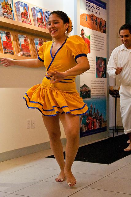 TRAJES TIPICOS DEL PERU Traditional Peruvian Dresses: Festejo (Ica y