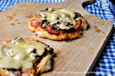 51. Mini pizza chłopska na cienkim cieście
