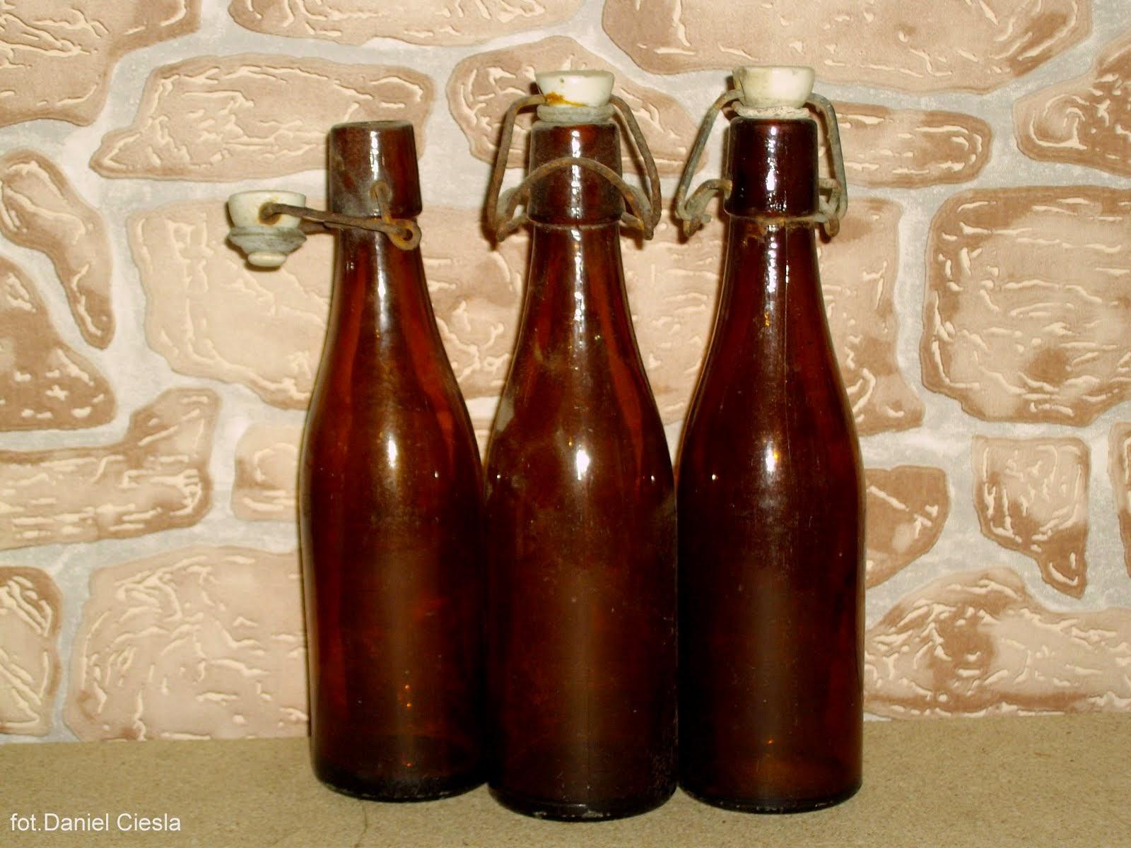 Butelki po lemoniadzie z porcelanowym korkiem
