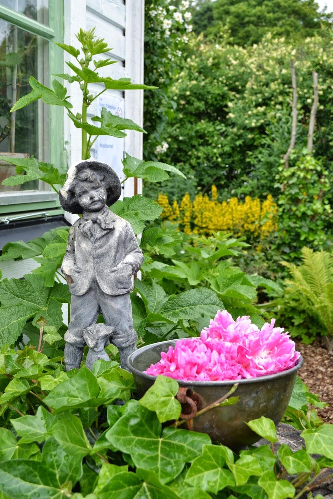 Tittis Trädgård skriver om Sanda Cottage:
