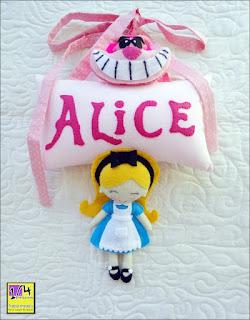 Enfeite de porta Alice