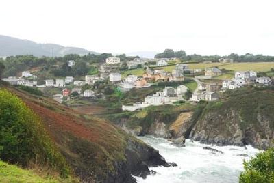 Vista del litoral oriental de Coaña