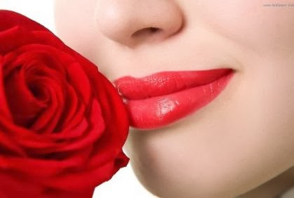 احذري أحمر الشفاة يؤدى الى الجنون  - red lip stick - الشفايف الشفائف