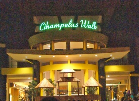 Cihampelas Walk (Ciwalk) Wisata Belanja Di Bandung