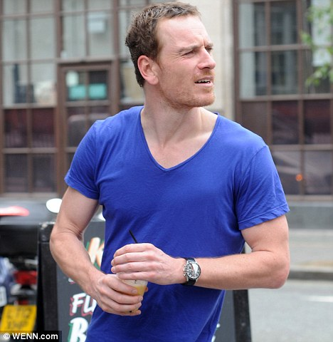 Fassinating Fassbender - A Michael - 48.7KB