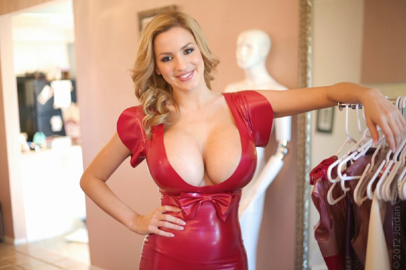 Big boobs red latex glovers 4