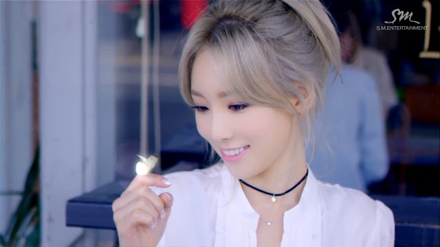 snsd taeyeon smile