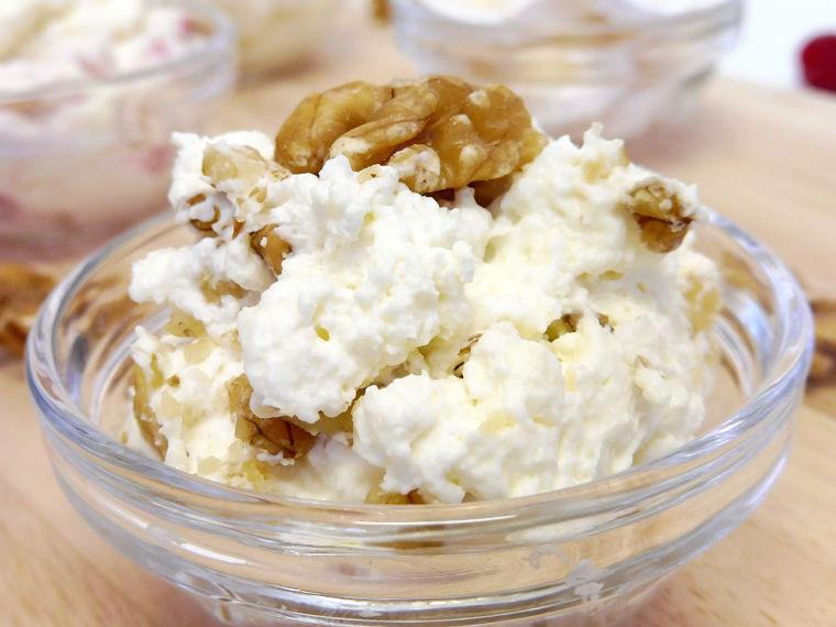 Mousse de queso de cabra con nueces