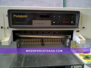 Nagai 92 paper cutter machine