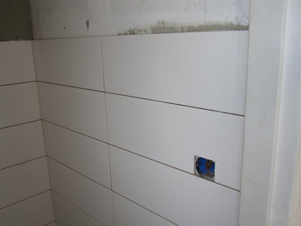 Nummer 6 badkamer en toilet tegelen - Badkamer betegeld ...