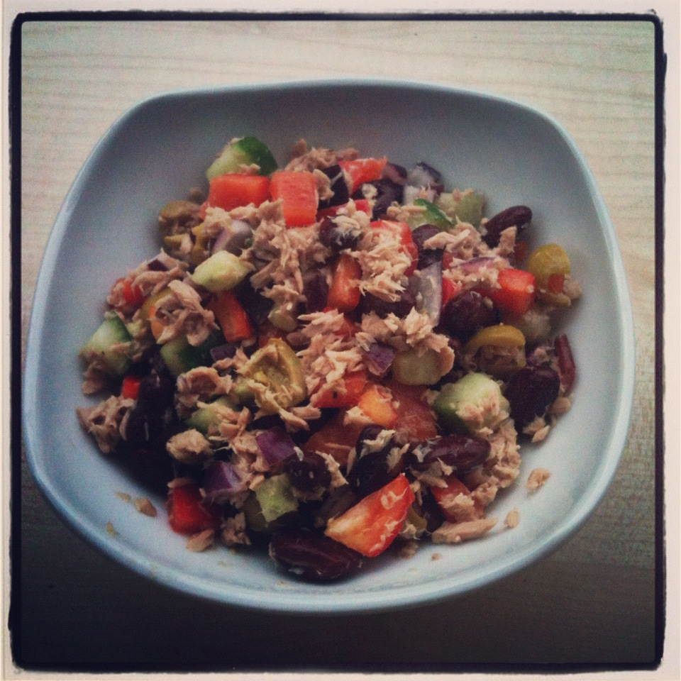 Calories in 1 cup tuna salad with mayo for Tuna fish salad calories