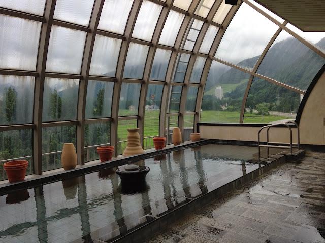 大浴場のガラス窓