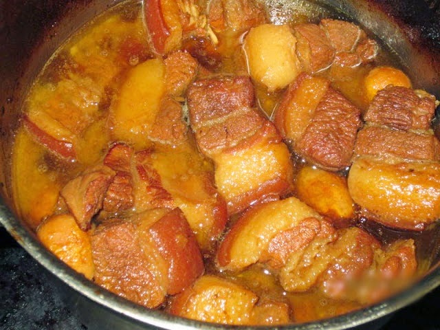 Cách làm thịt kho tàu trứng cút ngon đậm đà 1