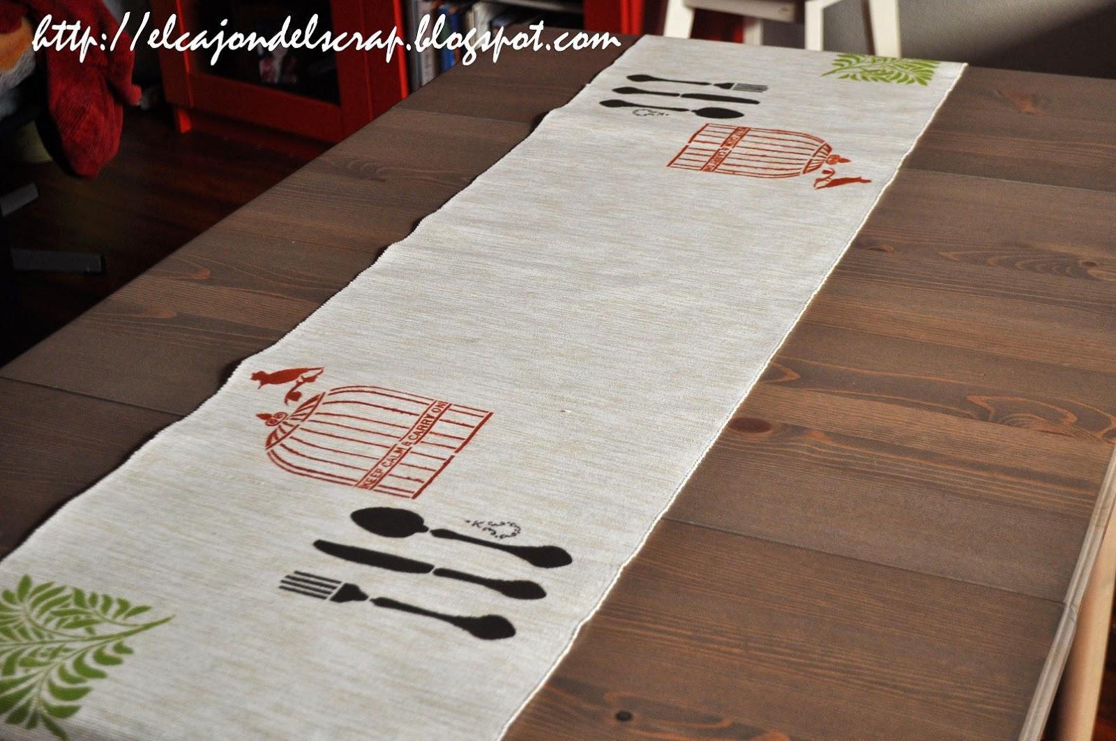 El caj n del scrap camino de mesa pintado con estarcido - Caminos de mesa de papel ...