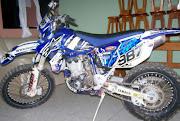 Vendese em Rosário do Ivaí tenho, uma moto de trilha WR 450 ano 2004.
