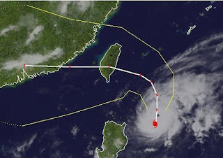 Taifun TEMBIN | IGME wahrscheinlich als Super Typhoon nach Taiwan, Tembin, Igme, major hurricane, Taifun Typhoon, Taifunsaison 2012, aktuell, Satellitenbild Satellitenbilder, Vorhersage Forecast Prognose, Taiwan, August, 2012, Sturmwarnung,