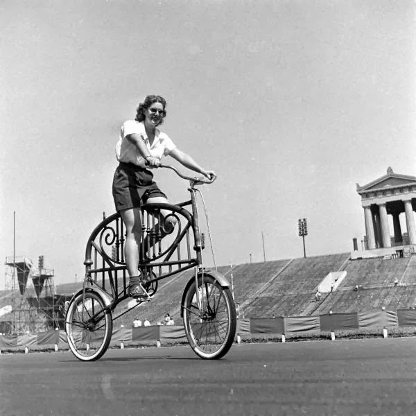 Bicycle+Pageant,+1948+(3).jpg