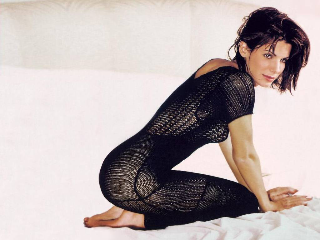 sandra bullock sexy look - photo #11