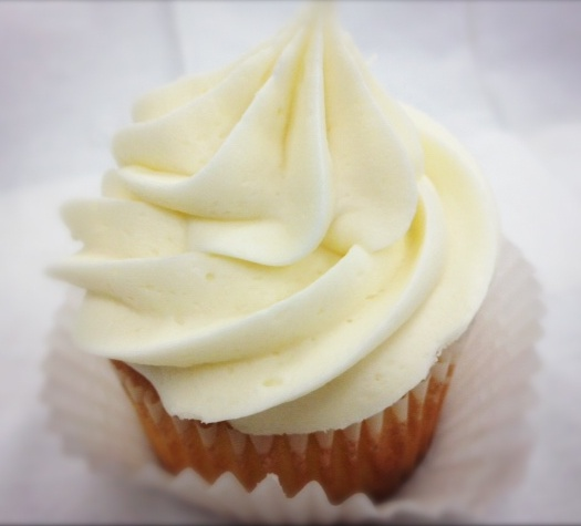 Cafetiria Black Cake With White Frosting