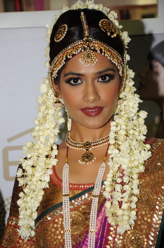 gorgeous indian bridal hairstyles