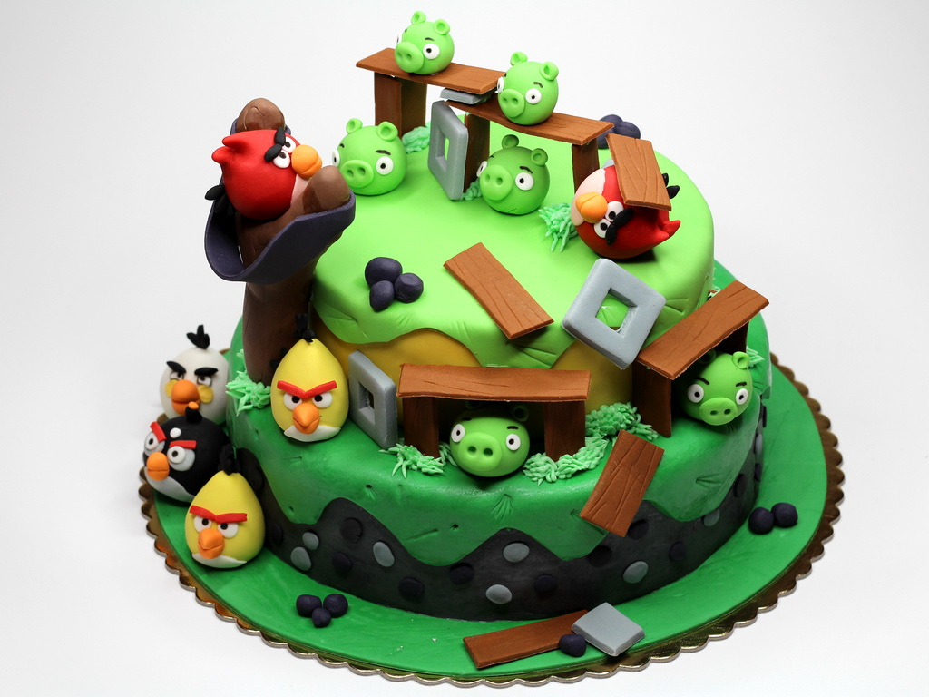 London Patisserie Angry Birds Cake London