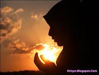 Baca Puisi Islami Cinta yang Indah
