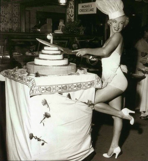 Marilyn Monroe Birthday Cake - Ice Cream Cup Cakes