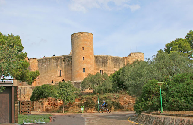 Испания, Майорка. Замок Бельвер