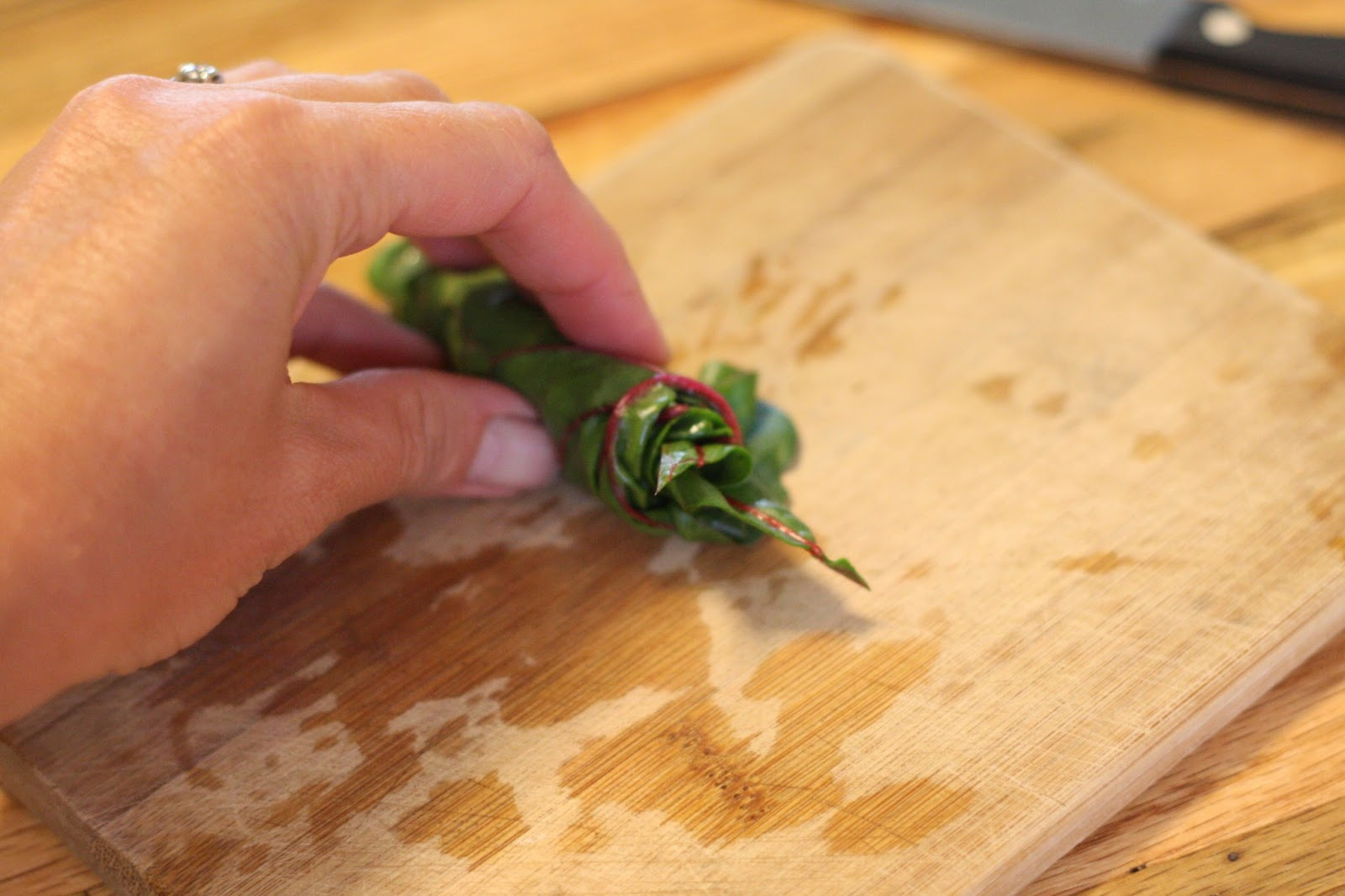 how to cut swiss chard into ribbons