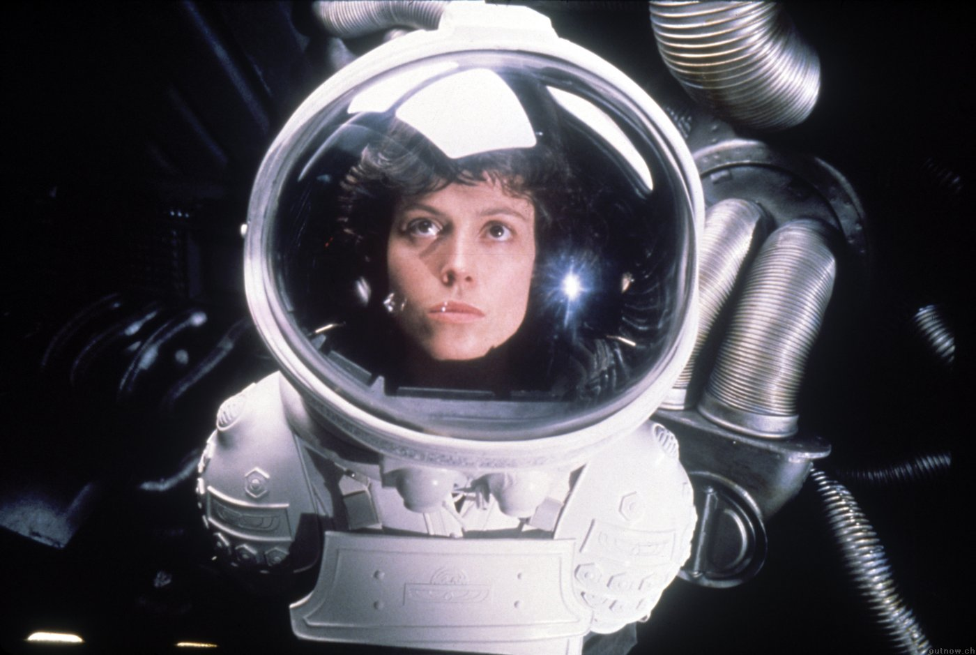 http://3.bp.blogspot.com/-4PYjmSCRxJY/T8Hgy8m9_HI/AAAAAAAACPI/yllEQNT7iWo/s1600/Alien+1979+weave.jpg