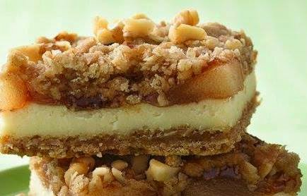 APPLE STREUSEL CHEESECAKE BARS ~ The Best Recipes In The World