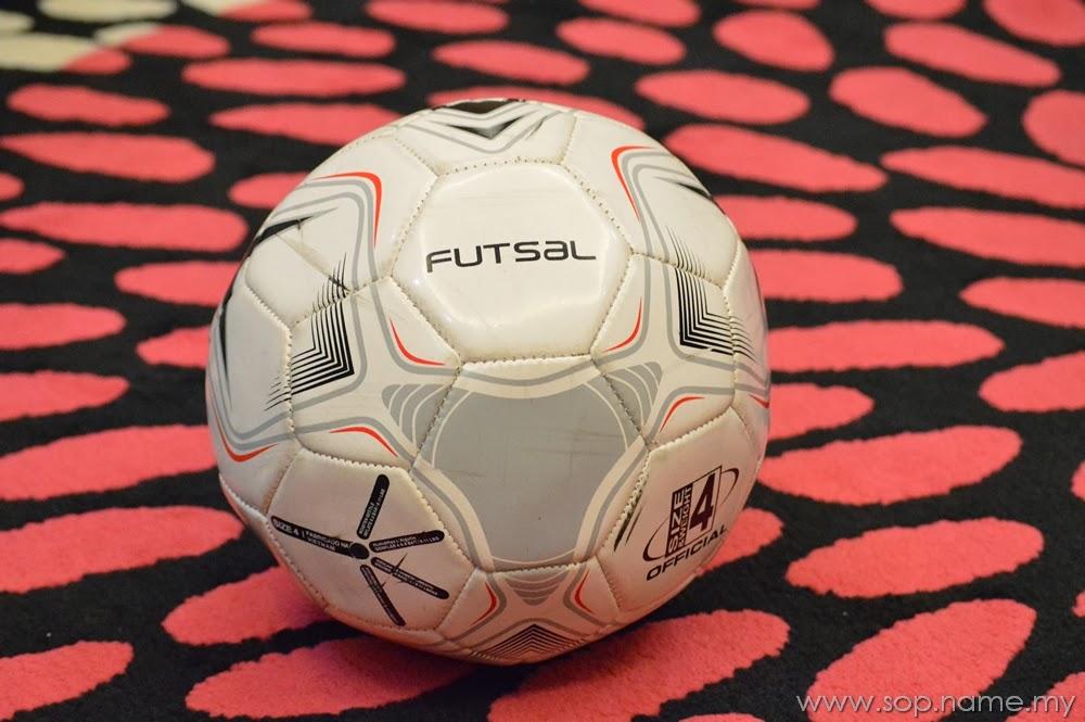 Tidak dapat bermain futsal kerana sakit lutut