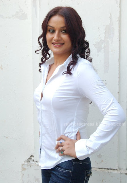 Indian actress south indian married actress sonia agarwal for White bra white shirt