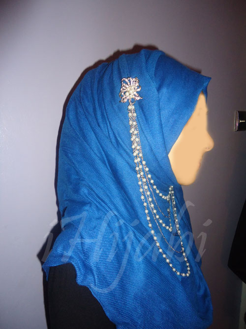 brooch hijab
