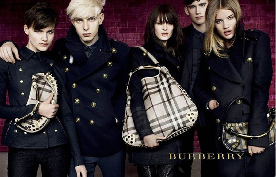 burberry discount outlet to17  Discount Burberry Bags and Handbags