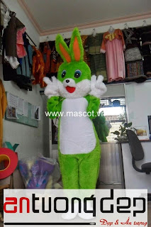 may bán mascot con thỏ