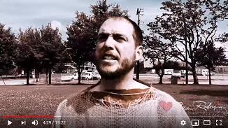 Nicolae Geantă 🔴 Povestea bărbatului îmbrăcat în sac care 10 zile a predicat în 10 orașe ale SUA
