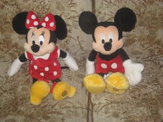 Gambar boneka Mickey dan Minnie Mouse berpasangan 14